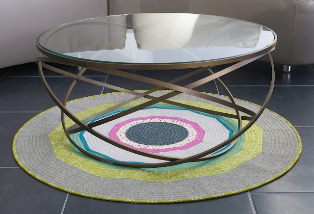 Luna Lovequilts - Round patchwork rug and coffee table