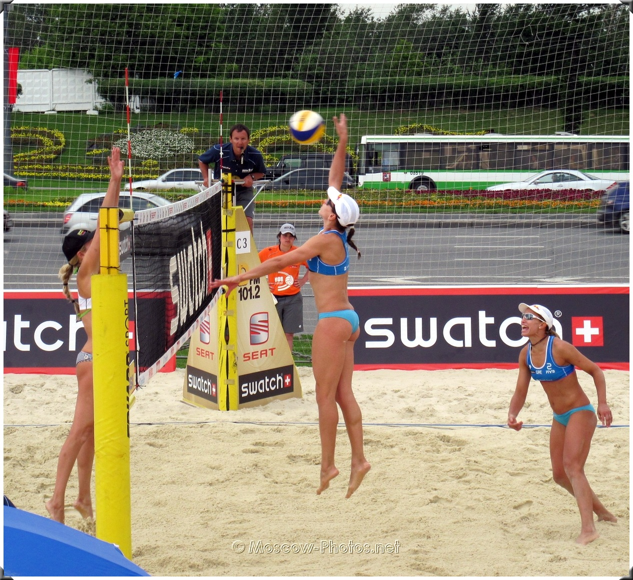 BEACH VOLLEYBALL FIRST TIME ATTACK