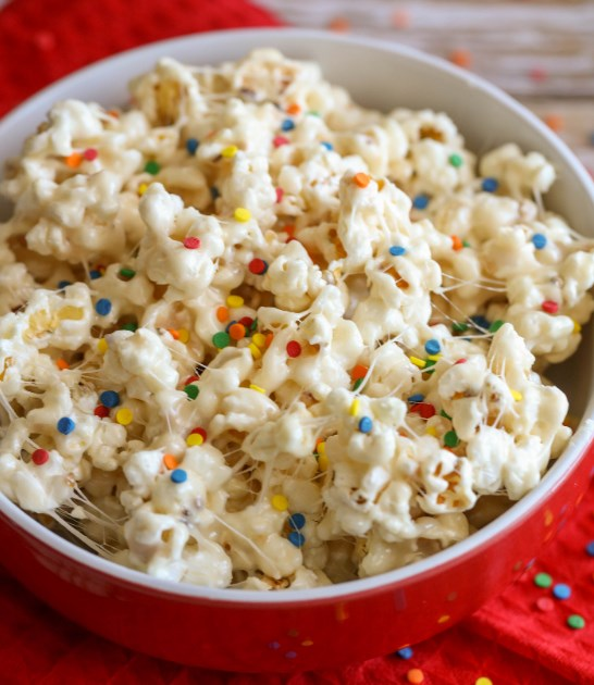 Birthday Cake Popcorn #snacks #desserts