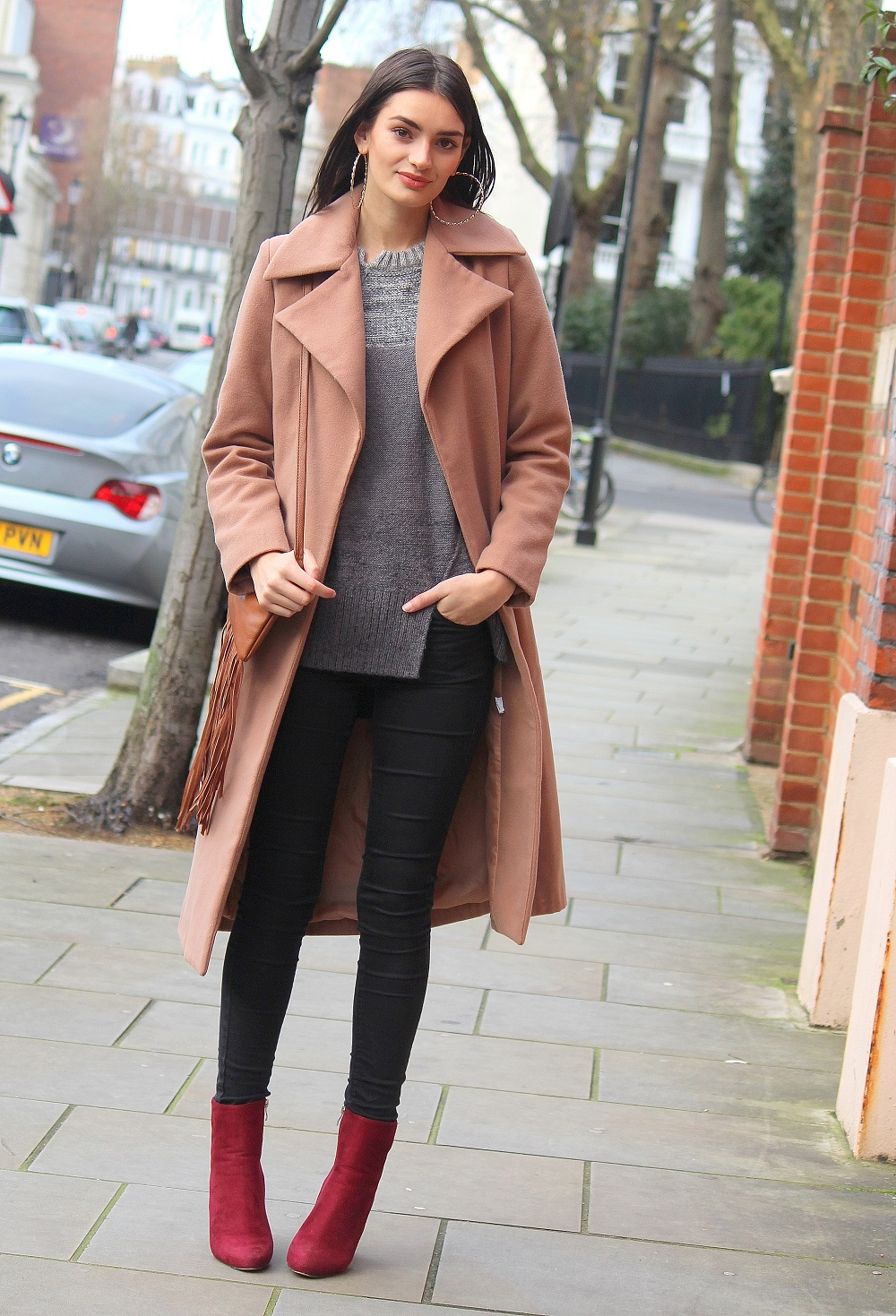 classic winter's outfit worn by peexo fashion blogger