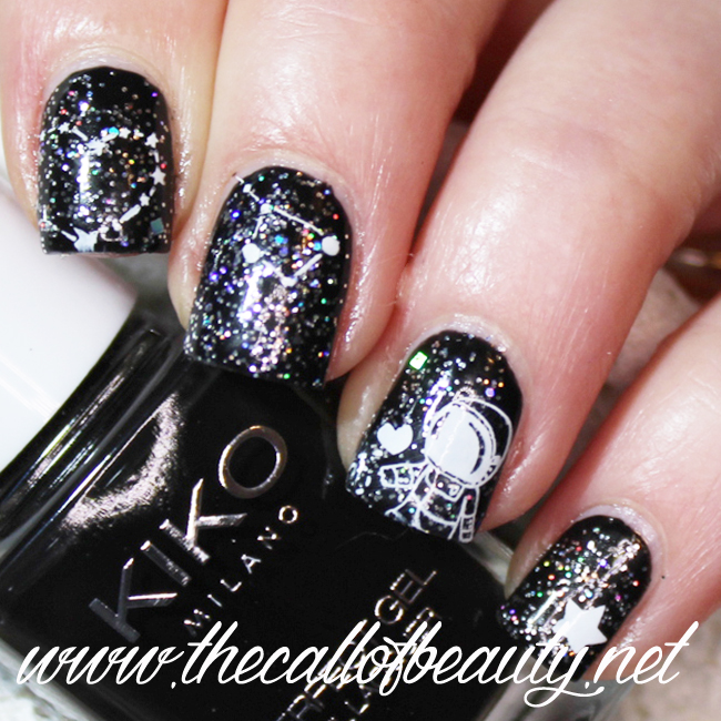 Black and White Space Manicure