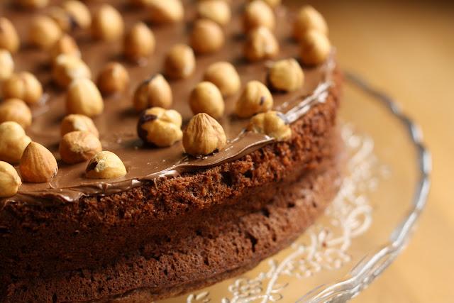 Hazelnut Cake Recipes Uk: HALF A POT OF CREAM: Hairy Bikers' Chocolate & Hazelnut