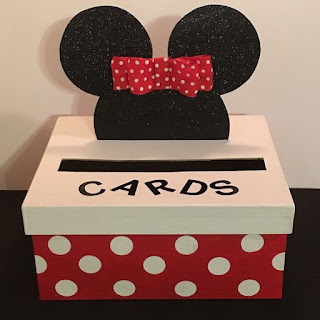 Cutie dar botez tematic Minnie Mouse cu cap de carton si fundita roz