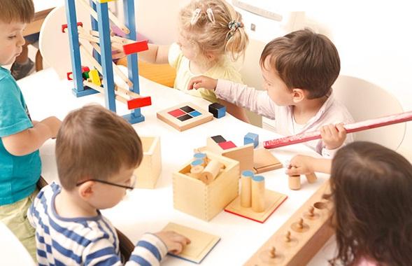 6 Hal Penting Pendidikan Anak Usia Dini dan Menurut Para Ahli
