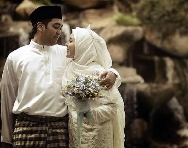 Tak Ingin Suamimu Selingkuh Tonjolkan 8 Hal Ini Karena Sangat Menarik Perhatian Suami