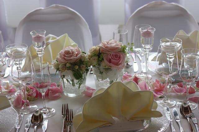 Tischdekoration, Hochzeit in Pastell, zauberhaft heiraten mit zarten Farben, Riessersee Hotel Garmisch-Partenkirchen, Hochzeitslocation am See in den Bergen, Maihochzeit 2017