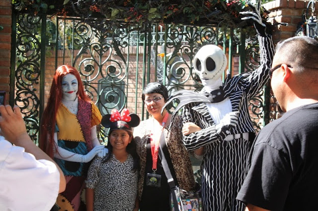 Budget Fairy Tale: Halloweentime at Disneyland 2013