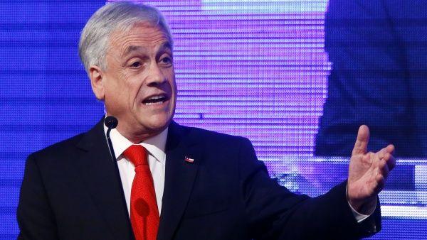 Piñera declarará como imputado por compra de acciones en Perú