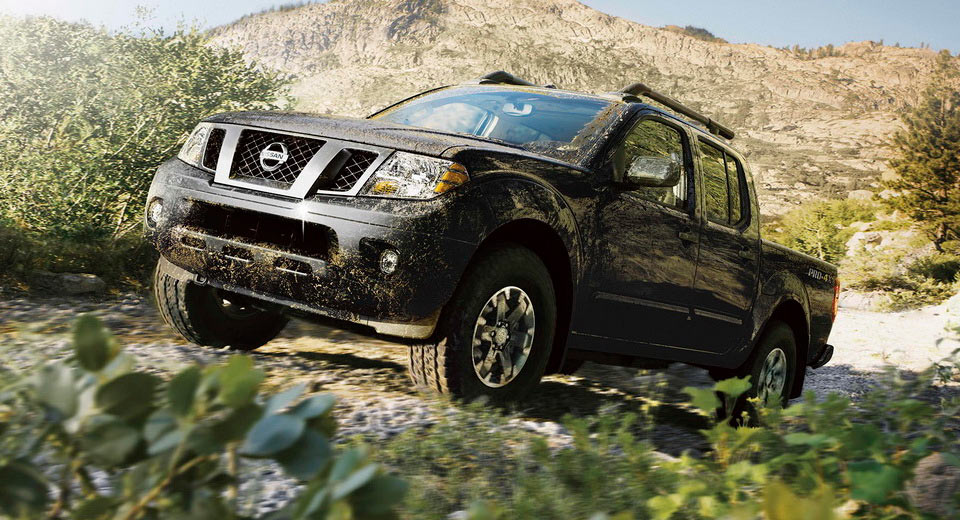 2017 nissan frontier goes on sale in the us priced from 19 330. Black Bedroom Furniture Sets. Home Design Ideas