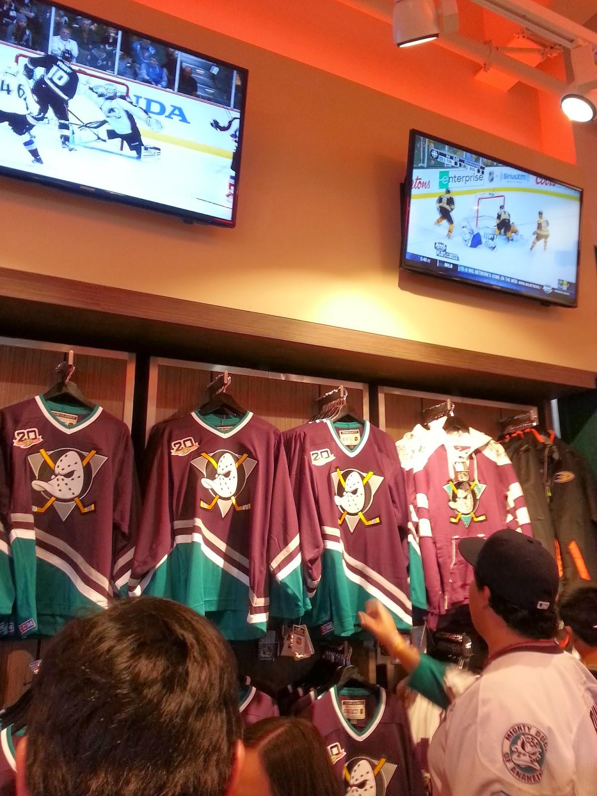 2013 14 Anaheim Ducks Teemu Selanne Mighty Ducks Throwback Jersey