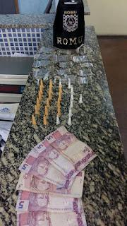 ROMU JANDIRA - Adolescentes são flagrados vendendo drogas