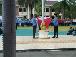 Di Kabupaten Kapuas Hulu, HUT Korpri, Bendera Merah putih gagal dikibarkan