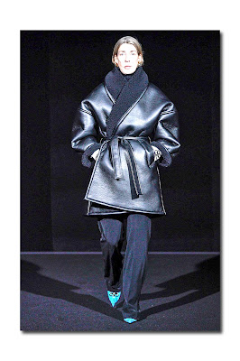 Balenciaga Fall 2019 Ready-to-Wear Photo  Vogue.com 0126ad2424eb