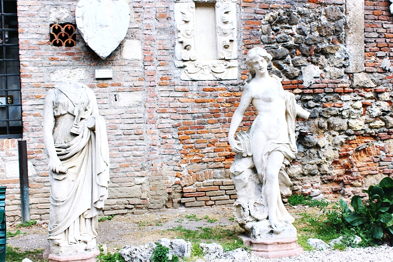statues at the courtyard of Olympic theater in Vicenza