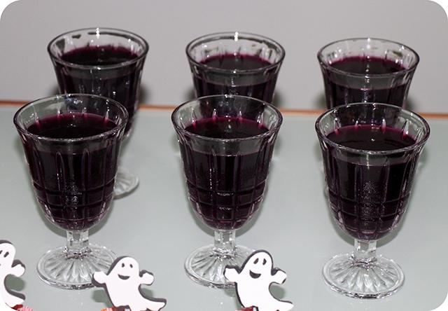 Decoração Festa de Halloween : Taças com Gelatina de Amora