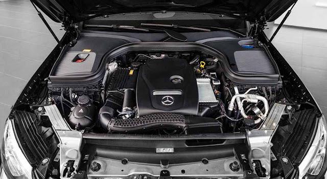 Động cơ Mercedes GLC 200 2019 vận hành mạnh mẽ và vượt trội