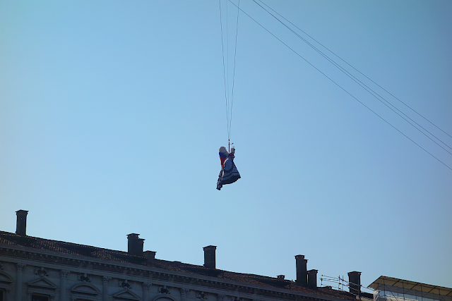 Proč letěl na karnevalu anděl o hodinu dřív? Benátky, benátky průvodce, benátky karneval, benátský karneval, kam v benátkách, co vidět v benátkách, piazza san marco