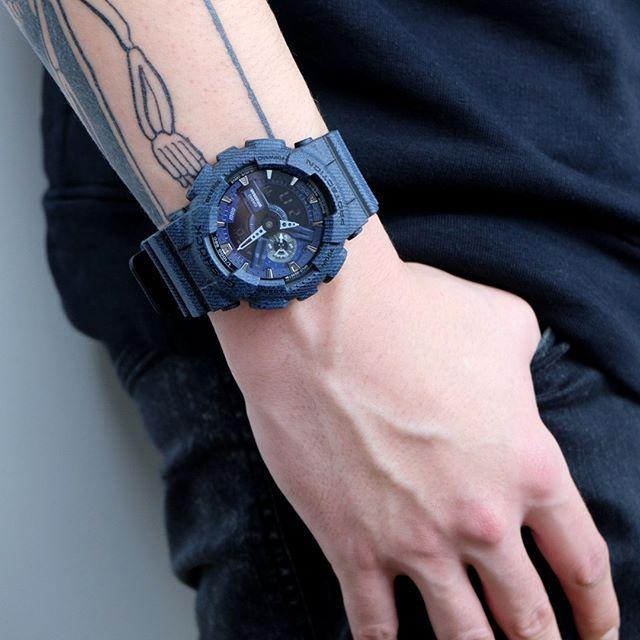 Model jam tangan pria dan wanita sedang trend