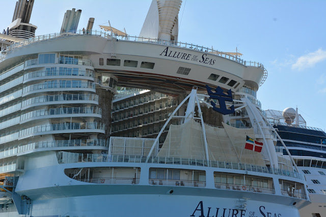Allure of the Seas aqua