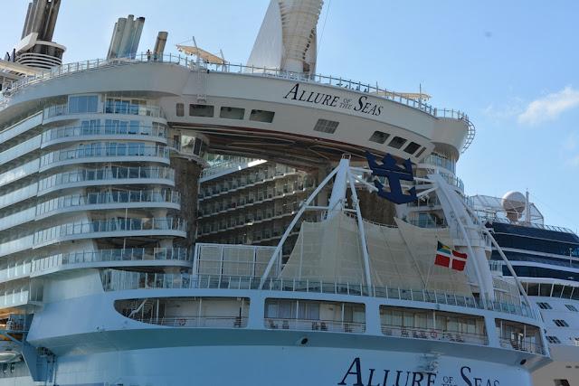 Allure of the Seas aqua