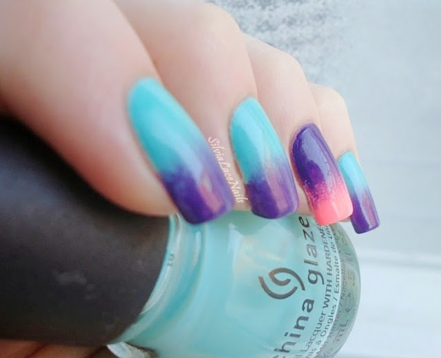 Silvia Lace Nails: Gradient with a touch of neon