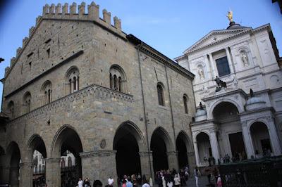 Piazza del Duomo in Bergamo