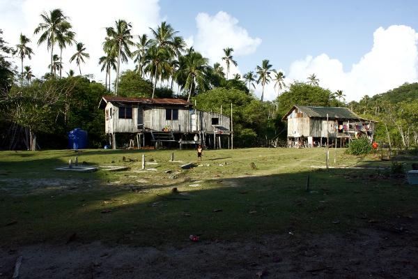 Einsame Insel bei Borneo