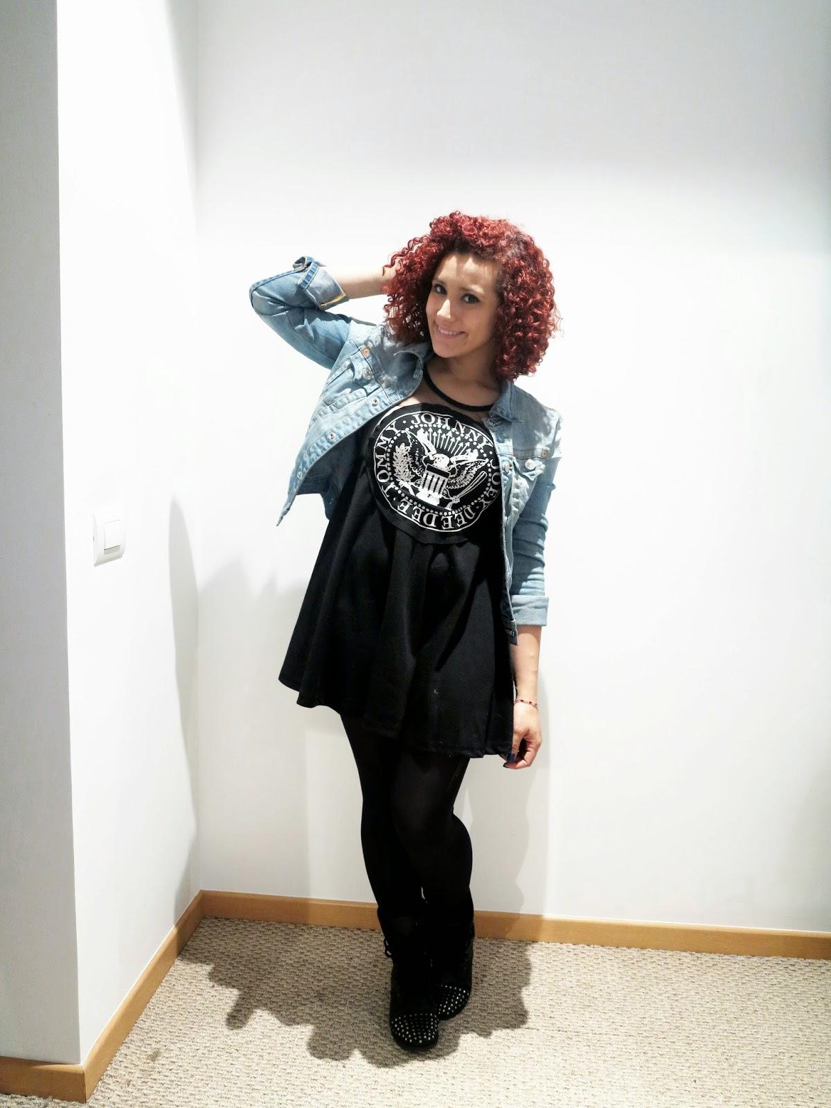 http://www.tastemycloset.com/2014/10/rock-jeans.html