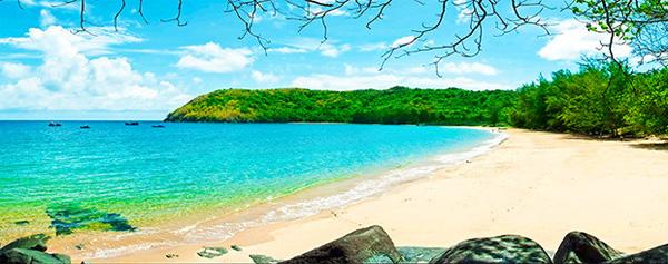 tắm biển tại bãi Đầm Trầu Côn Đảo