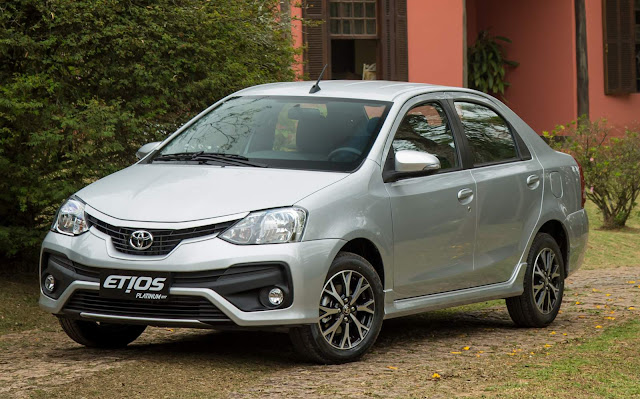 Toyota Etios 2017 Platinum Automático Sedã