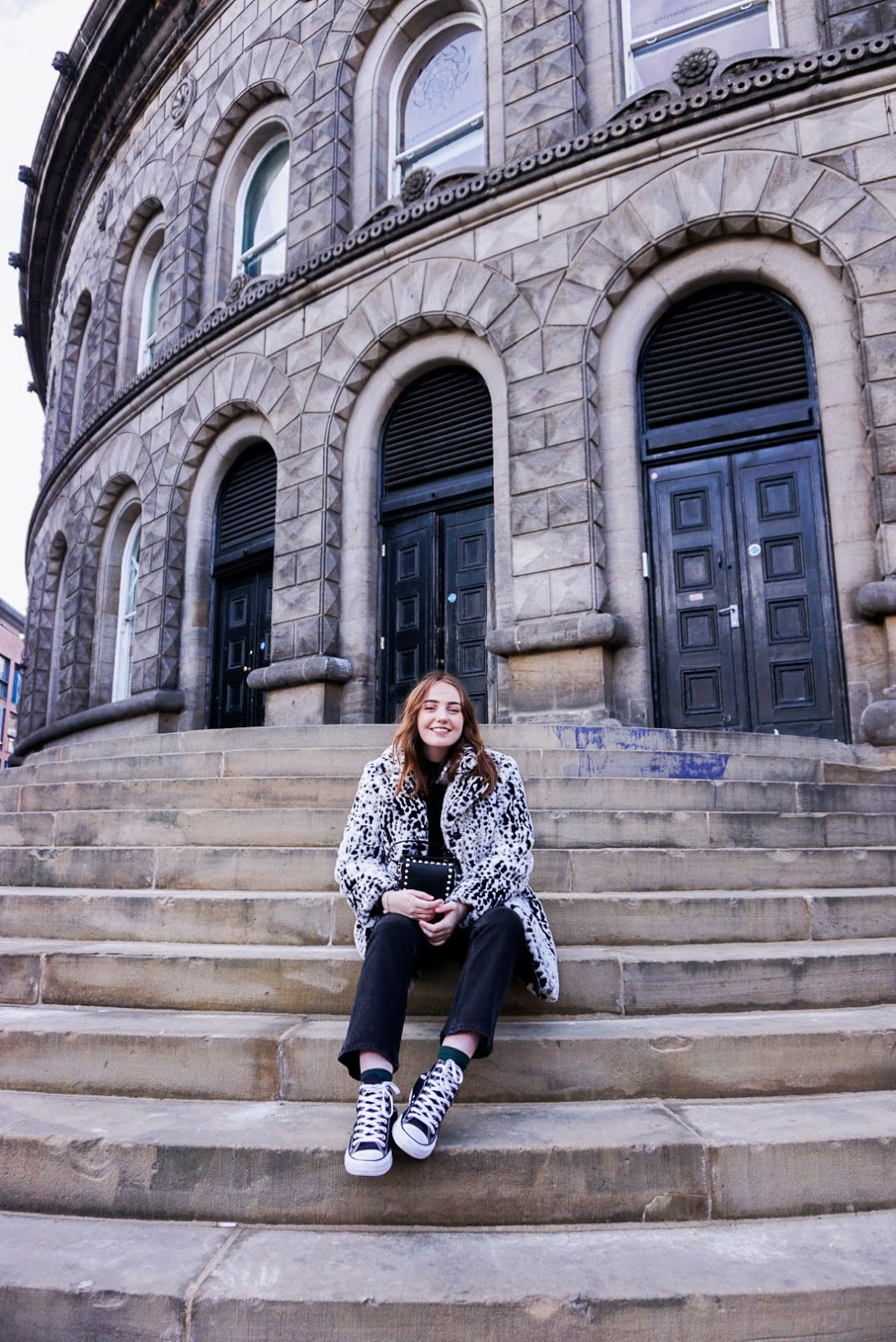 travel blogger outside Leeds corn exchange
