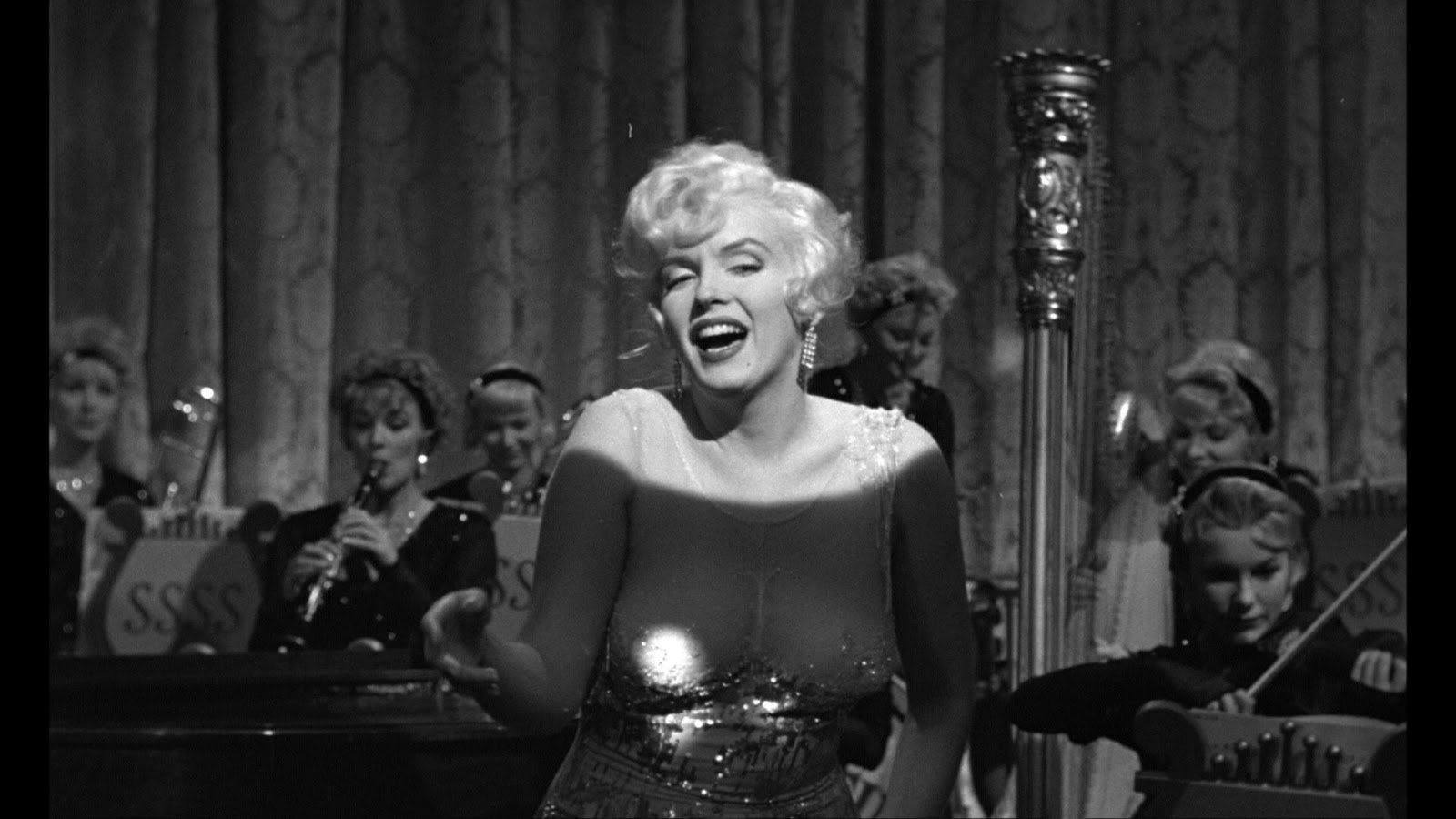 Some Like It Hot (1959) – Comedy, Music, Romance