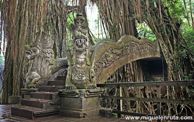 Monkey-Forest-Ubud-Bali