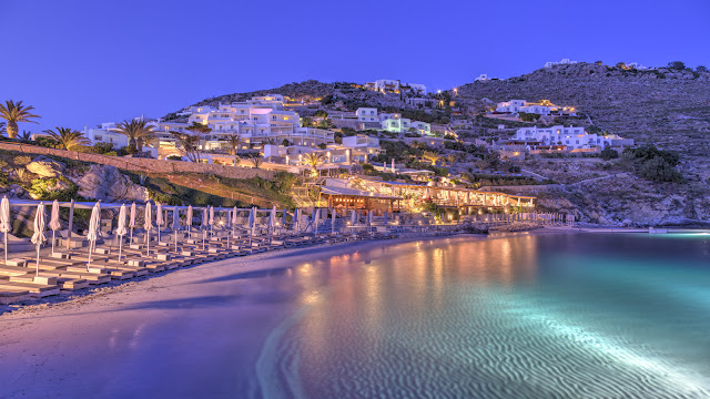 Santa Marina, A Luxury Collection Resort isSet on a private beach on the island of Mykonos in Greece. With both hotel rooms, suites and villas, this secluded resort has the look and feel of a traditional Greek village, ideal for families or couples.