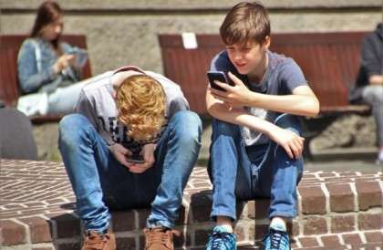 Smartphone addiction causes brain frustration and anxiety!