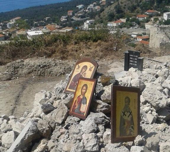 Αποτέλεσμα εικόνας για Μας γκρεμίζουν τα σπίτια στην Χιμάρα, εκκλησία στις Δρυμάδες