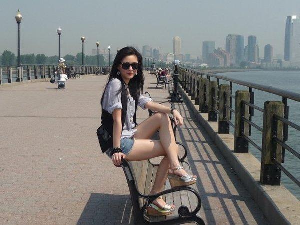 kim chiu hot and sexy legs 02