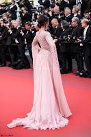 Sonam Kapoor looks stunning in Cannes 2017 033.jpg