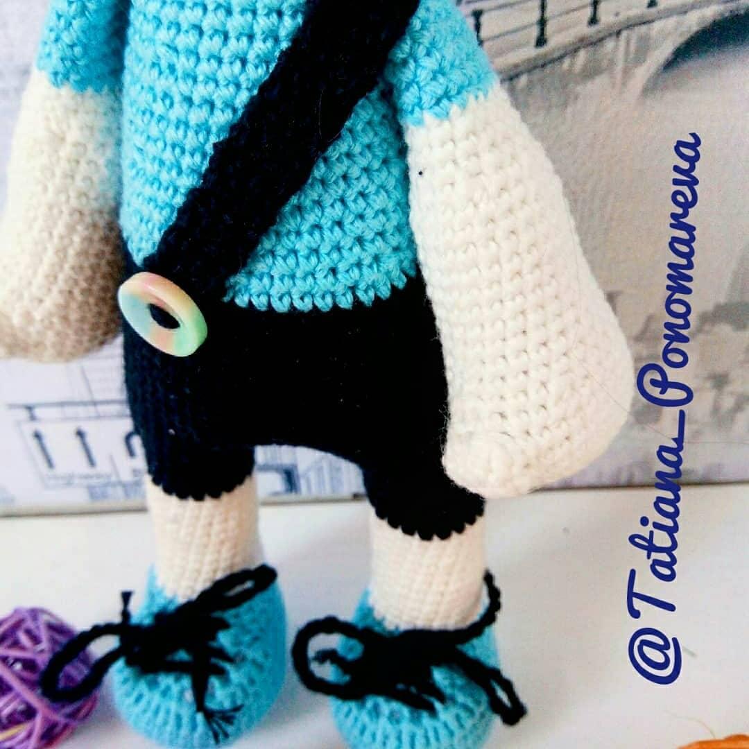 Crochet toy bunny amigurumi