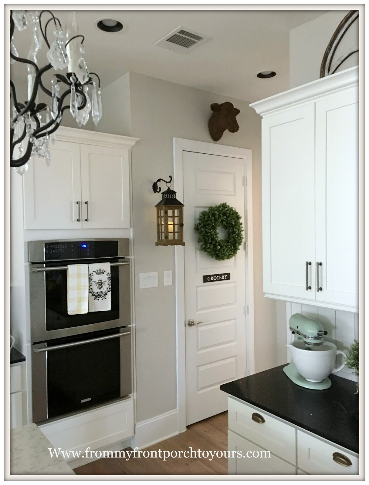 French Country-French Farmhouse-Farmhouse Kitchen-Cottage Kitchen-Cottage Style-Hanging : farmhouse door - pezcame.com