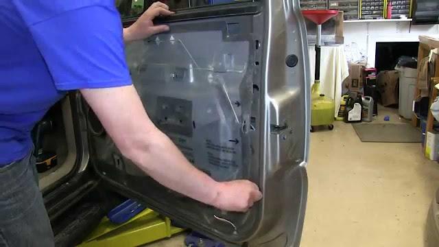 Comment réparer un régulateur de fenêtre électrique