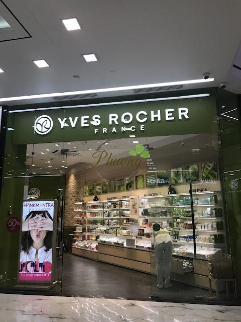Cửa hàng Yves Rocher tại Moscow chụp bởi Hồng Phượng Store