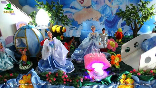 Ornamentação de mesa de aniversário Cinderela