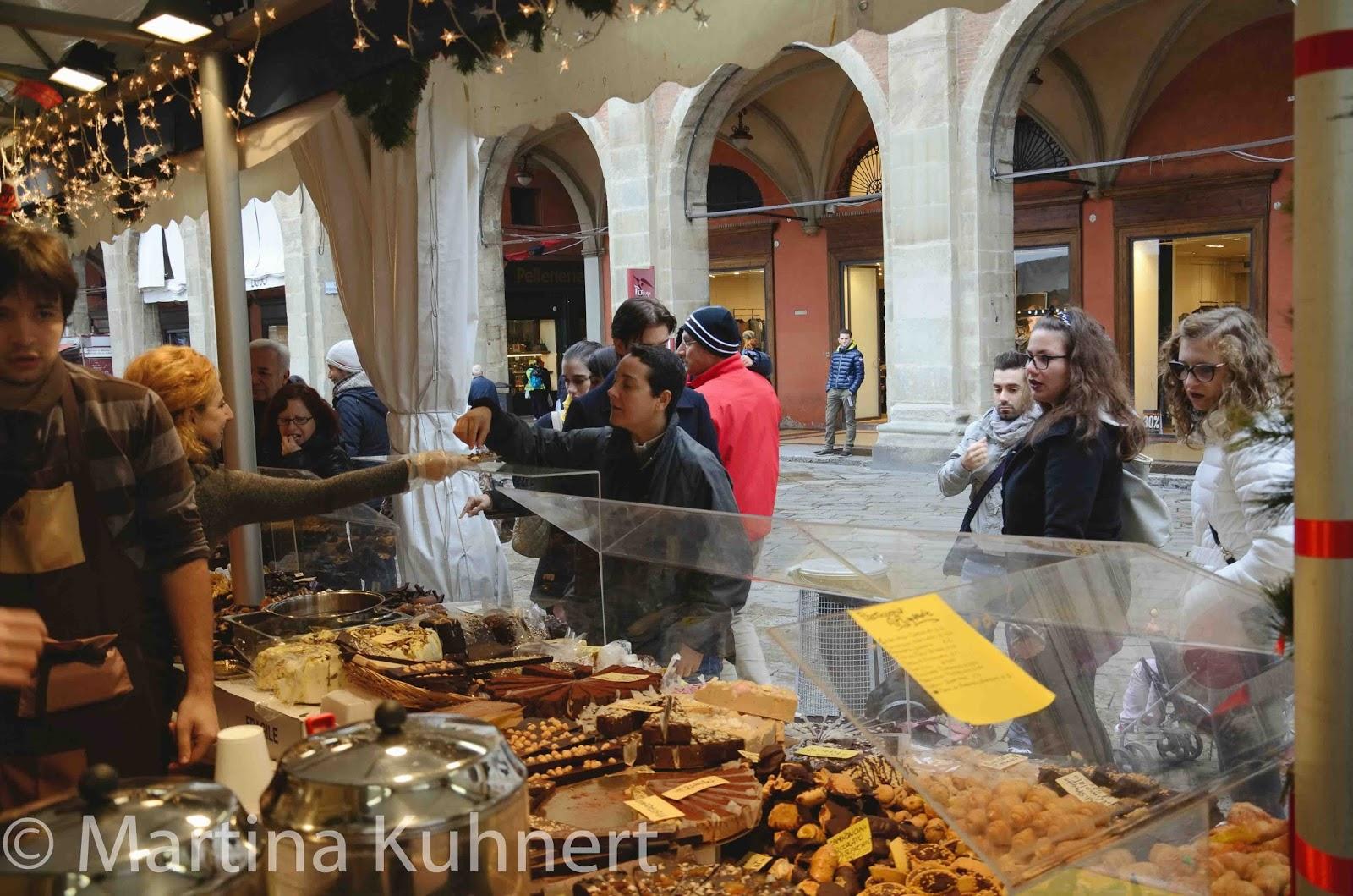 Golosa italia food tour bologna salon du chocolat for Salon du fast food