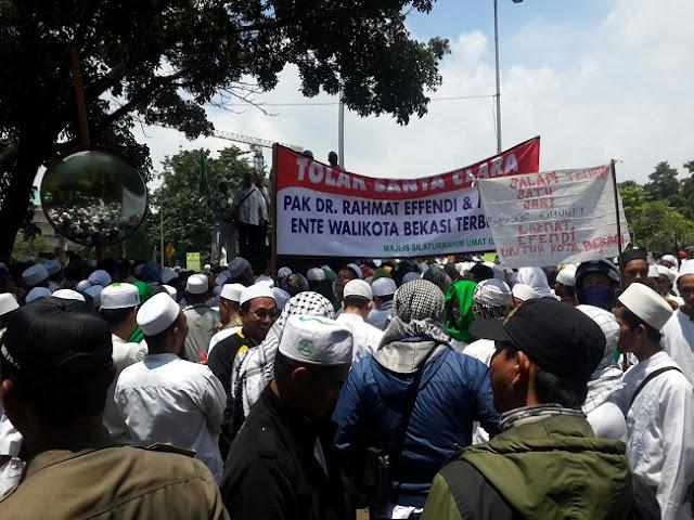 Walau Tak Ada Kecacatan pada IMB St Clara, Ormas Islam Tetap 'Ngeyel' Tuntut IMB Dicabut