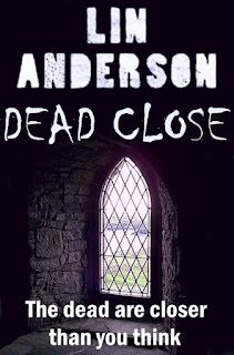 http://www.amazon.co.uk/Dead-Close-Short-Story-Anderson-ebook/dp/B005FWX34I/ref=sr_1_1?ie=UTF8&qid=1459979055&sr=8-1&keywords=dead+close+lin+anderson