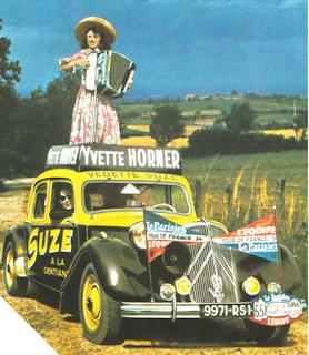 Yvette Horner sur la Traction C15