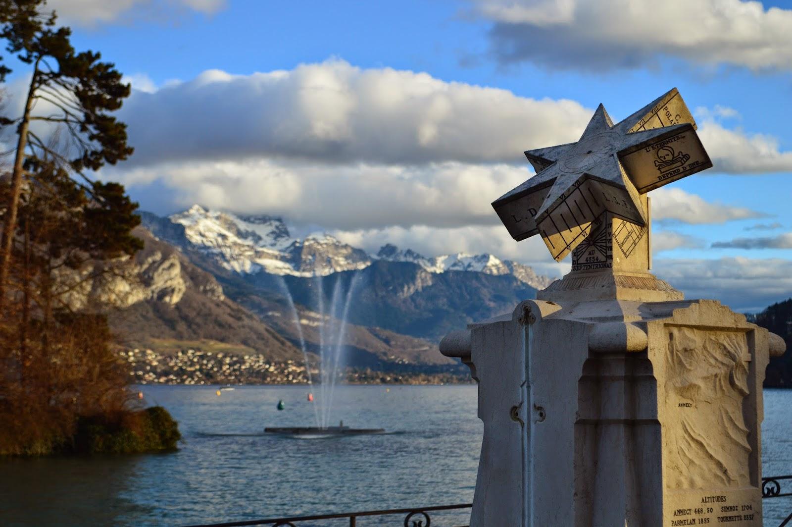 L'hiver sur le lac d'Annecy en Haute-Savoie