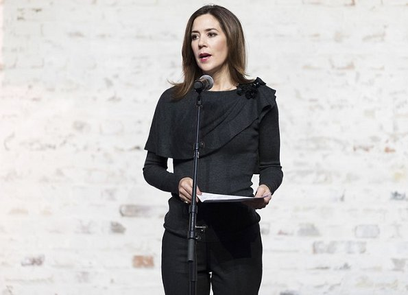 Maternity Foundation, Crown Princess Mary. Atea Future Growth, UNFPA. Princess wore dark pants and top