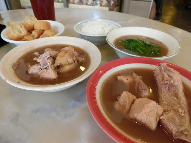 【蝴蝶結姐姐嘆世界】2大新加坡星級肉骨茶推薦
